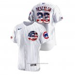 Maglia Baseball Uomo Chicago Cubs Daniel Descalso 2020 Stars & Stripes 4th of July Bianco